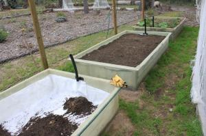 Wicking beds fibreglass_beds